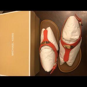 NIB Michael Kors MK Plate Flat Thong Sandals